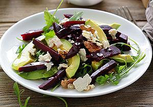 herbstlicher rote bete salat mit feta bodymed news. Black Bedroom Furniture Sets. Home Design Ideas